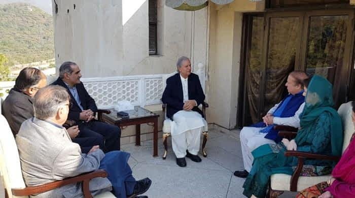 Cordial meeting with Nawaz paves way for Hashmi's entry into PML-N