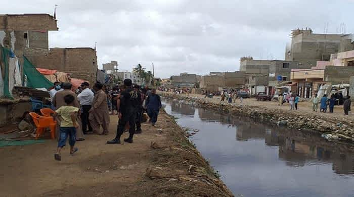 Four-day operation begins to clear Mehmoodabad Nullah of illegal settlements