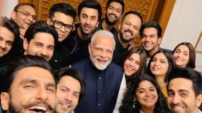 Modi tweets Bollywood celebs, cricketers, political rivals with poll message