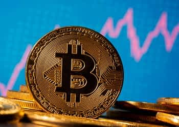 Touching $34,000: Bitcoin trades near all-time high