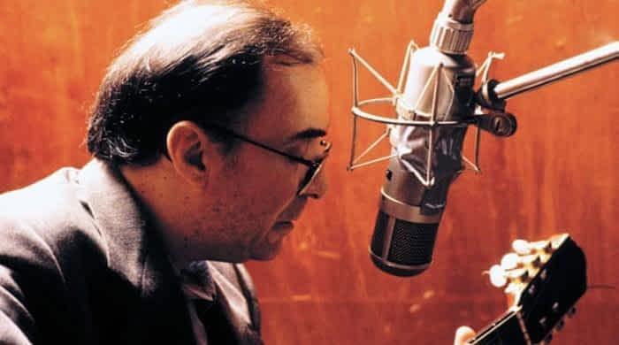 Fans bid final farewell to Brazil music legend Joao Gilberto